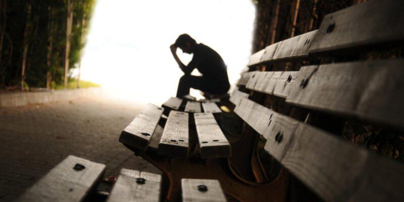 Как пережить измену и расставание? Помощь психолога